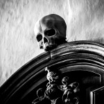 Bruges skull at church - photo by ace